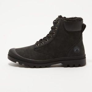 NWOT Black Winter Boots